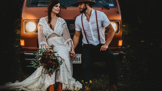 Wybór sukni ślubnej – czy warto słuchać rad koleżanek?